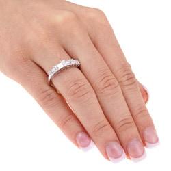 14k White Gold 1/2ct TDW Round and Baguette Diamond Ring (H-I-J, I1-I2) - Thumbnail 2