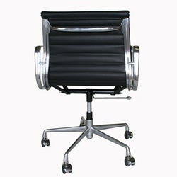 Thumbnail 3, Aluminum Frame and Full Leather Office Chair. Changes active main hero.