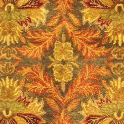 Safavieh Handmade Kerman Sage/ Gold Wool Rug (4'6 x 6'6 Oval) - Thumbnail 2