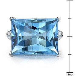 18k Gold Created Blue Topaz/ 7/8ct TDW Diamond Ring (F, SI1) (Size 6.75) - Thumbnail 2