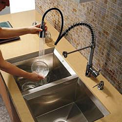 Vigo Offset 16-gauge Stainless Steel Undermount Kitchen Sink - Thumbnail 2