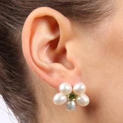 Kabella Silver Freshwater Pearl and Peridot Flower Earrings (6.5-7 mm)