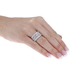 Unending Love Sterling Silver 1/4ct TDW Diamond Fashion Ring (I-J, I2-I3) - Thumbnail 2