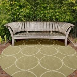 Hand-hooked Bliss Outdoor Sage Indoor/Outdoor Moroccan Trellis Rug (9' x 12') - Thumbnail 2