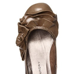 CL by Laundry Women's 'Kerensa' Ruffle Pumps - Thumbnail 2