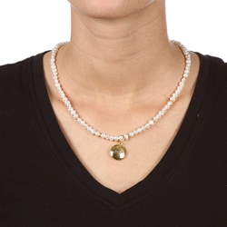 14k Gold over Sterling Silver Pearl Mom/ Love Charm Necklace (4-5 mm) - Thumbnail 2