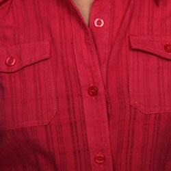 Last Kiss Women's Sleeveless Button Front Shirt