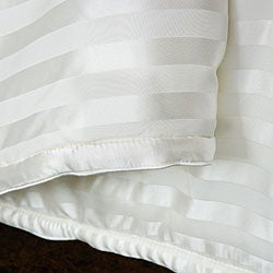Chrysalife Silk-filled Stripe Jacquard Silk California King-size Comforter - Thumbnail 2