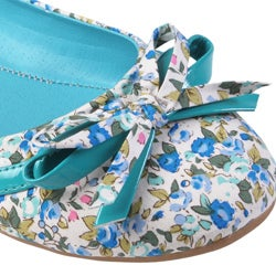 Journee Collection Women's 'Crush' Bow Accent Floral Ballet Flats