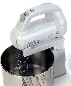 Euro Pro EP565WP 300-watt Hand/Stand Mixer with Two Bowls - Thumbnail 2