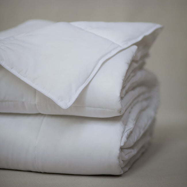 Oversize Silky Touch Queen-size Microfiber Blanket