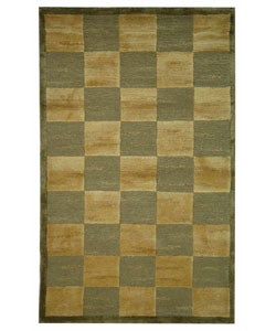 Safavieh Hand-knotted Tibetan Checkers Green/ Beige Tibetan Wool Rug (4' x 6')