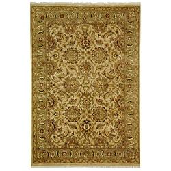 Safavieh Hand-knotted Beige/ Green Heritage Wool Rug (6' x 9')
