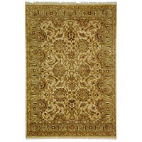 Safavieh Hand-knotted Beige/ Green Heritage Wool Rug - 6' x 9'