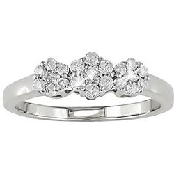 10k Gold 1/4ct TDW Diamond Three Stone Ring
