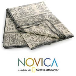 Alpaca Wool 'Paracas Snow' Throw Blanket (Peru)