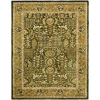 Safavieh Handmade Classic Light Green/ Gold Wool Rug (7'6 x 9'6)