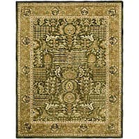 Safavieh Handmade Classic Light Green/ Gold Wool Rug - 7'6 x 9'6