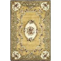 Safavieh Handmade Classic Light Gold/ Green Wool Rug - 4' x 6'