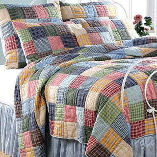 Gracewood Hollow Huxley Reversible Quilt Set