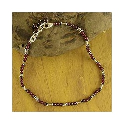 Handmade Sterling Silver 'Crimson Trios' Garnet Beaded Anklet (India)