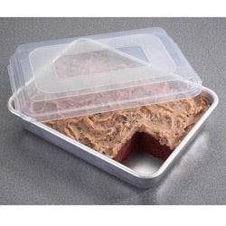 Nordic Ware Commercial Cake Pan with Cover (9 x 13)
