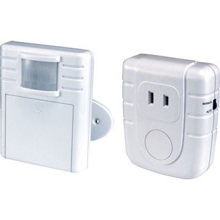 HeathCo WC-6006-WH Wireless Motion Sensor and Lamp Plug-in