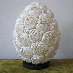 Resin and Sea Shell 1-light White Flower Table Lamp (Indonesia)