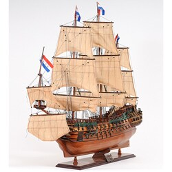 Old Modern Handicrafts Medium Friesland Model
