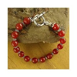 Sterling Silver 'Royal Glow' Carnelian Bead Bracelet (India)