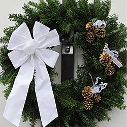 Fresh Balsam 24-inch White and Gold Wreath