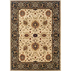 Beige/ Black 10' x 13' Traditional Area Rug