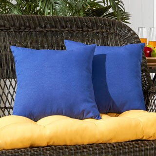 Porch & Den Rosewood Graham Marine Blue Outdoor 17-inch Accent Pillow (Set of 2)