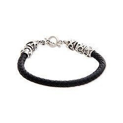 Handmade Leather Men's 'Warrior's Fortune' Sterling Silver Bracelet (Indonesia)