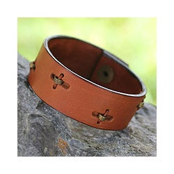 Leather Men's 'Hide and Seek in Tan' Wristband Bracelet(Ghana)