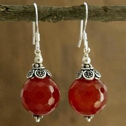 Handmade Sterling Silver 'Jaipur Sonnet' Carnelian Earrings (India)