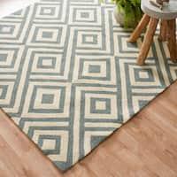 "Hand-hooked Indoor/ Outdoor Slate Grey Geometric Patio Area Rug - 5' x 7'6"""
