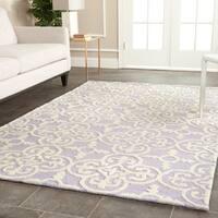 Safavieh Handmade Moroccan Cambridge Lavender Wool Rug (5' x 8') - 5' x 8'