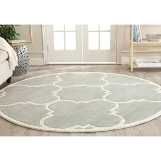 Safavieh Handmade Moroccan Chatham Gray/ Ivory Geometric Wool Rug (5' Round)