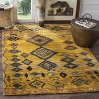 Safavieh Hand-knotted Tangier Gold Wool/ Hemp Rug - 8' x 10'