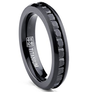 Oliveti Women's Black Plated Titanium Princess-cut Cubic Zirconia Comfort Fit Eternity Ring (More options available)