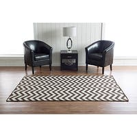 Linon Foundation Collection Brown Chevron Reversible Rug (5' x 8') - 5' x 8'