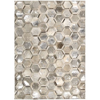 Michael Amini City Chic Silver Area Rug by Nourison (5'3 x 7'5)