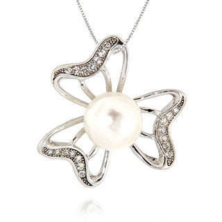 Pearlz Ocean White Freshwater Pearl and White Topaz Three Petal Pendant