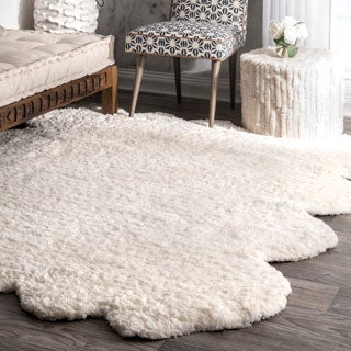 Silver Orchid Russell Handmade Faux Sheepskin Octo Pelt Natural Shag Area Rug (7' x 6')