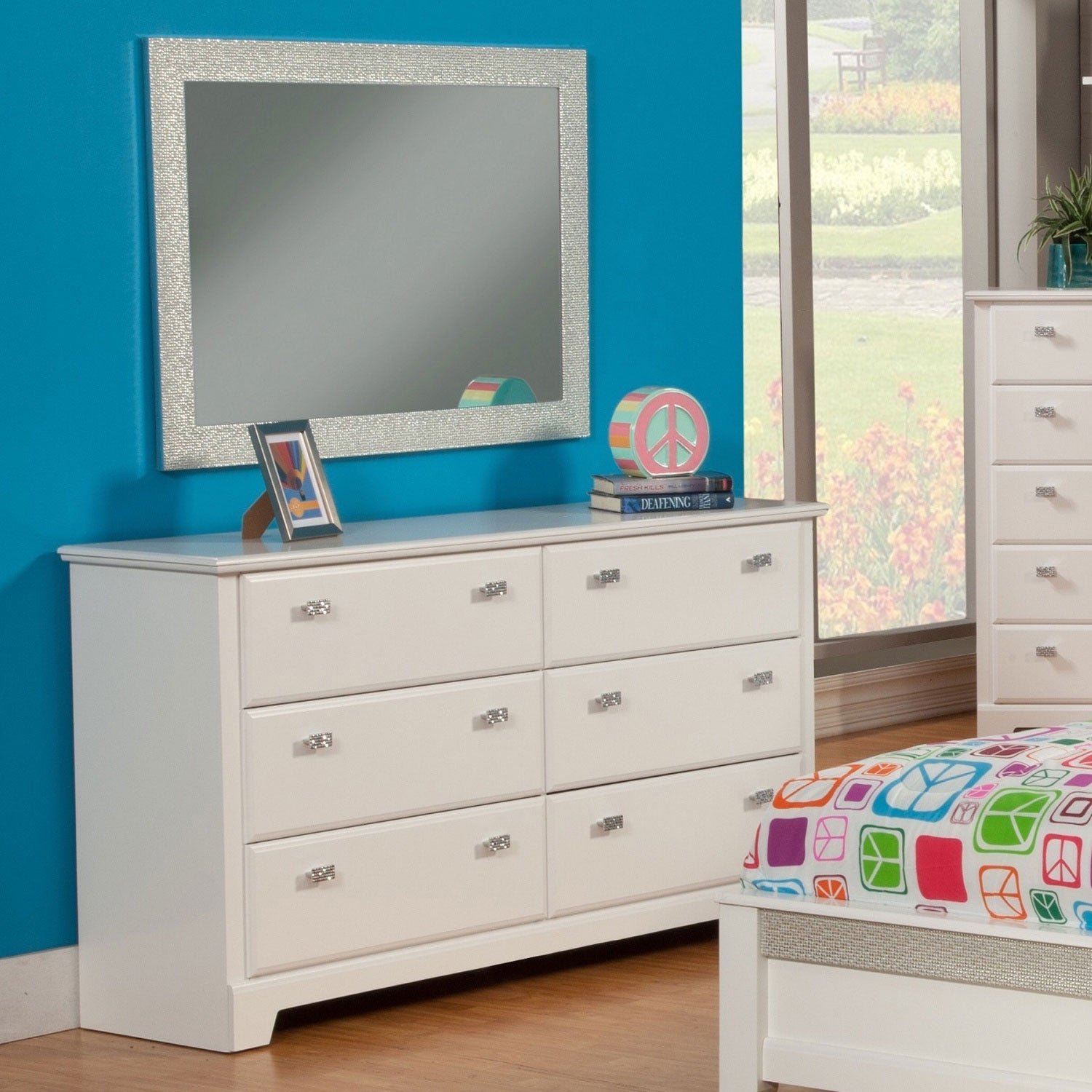 Sandberg Furniture Hailey White 6-drawer Dresser