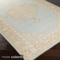 Hand-knotted Alford Traditional Wool Area Rug (2' x 3')