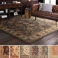 Hand-tufted Nia Traditional Wool Area Rug (4' Square)