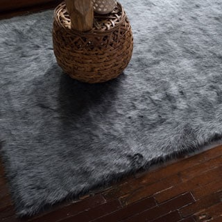 Jungle Sheep Skin Graphite Rug (5'0 x 7'6)