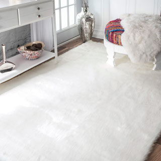 Silver Orchid Russell Faux Flokati Sheepskin Solid Soft and Plush Cloud Shag Rug (7'6 x 9'6)